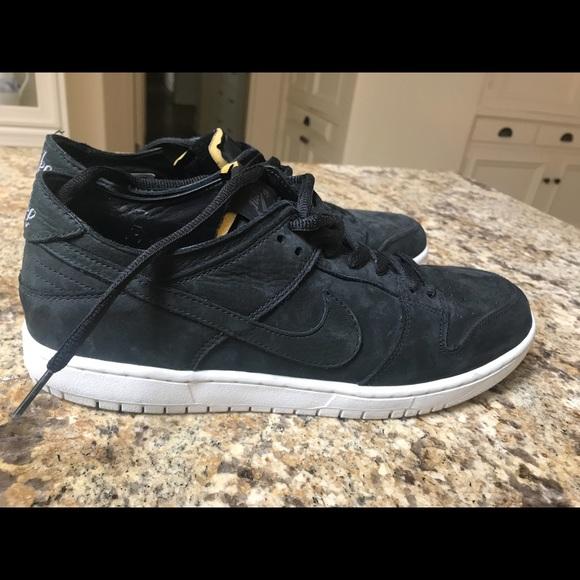 31bc18e86ac3 Nike SB Zoom Dunk Low Pro Decon Shoes. M 5b0c4fab3afbbde2a44a4be6